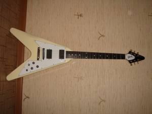 Дата создания. Gibson flying V 57. серийный номер 004160371. накладка эбон